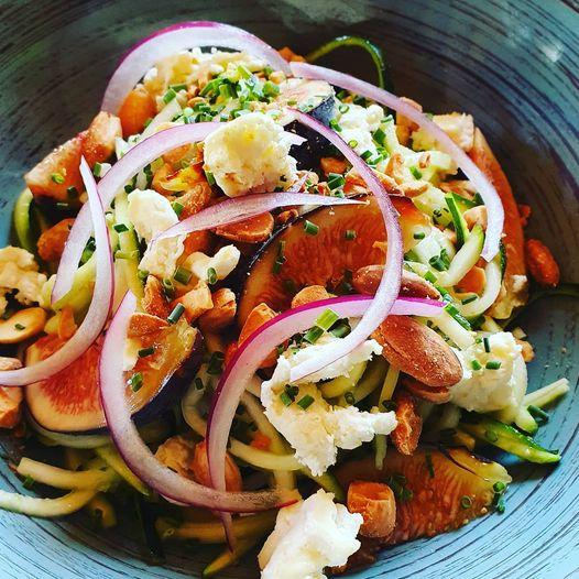 Création du restaurant de la montagnette. Salade fraicheur